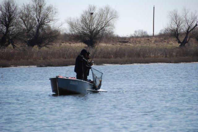 Рыбалка на ахтубе прокат лодок и