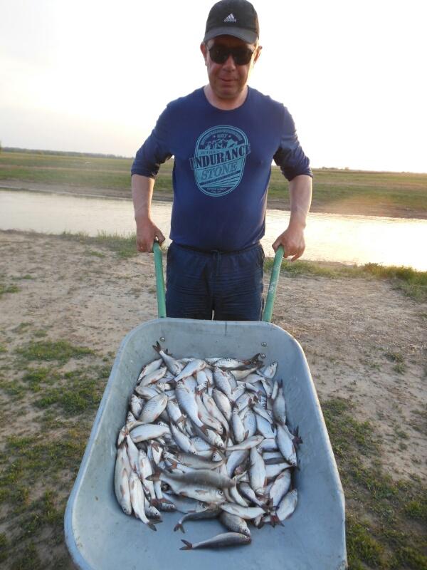 Ищу компанию для поездки на рыбалку в астрахань