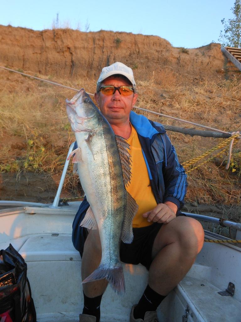 Рыбалка в Селитренном (Ахтуба, Митинка, Банный, Кирпичный) и местные рыболовные базы